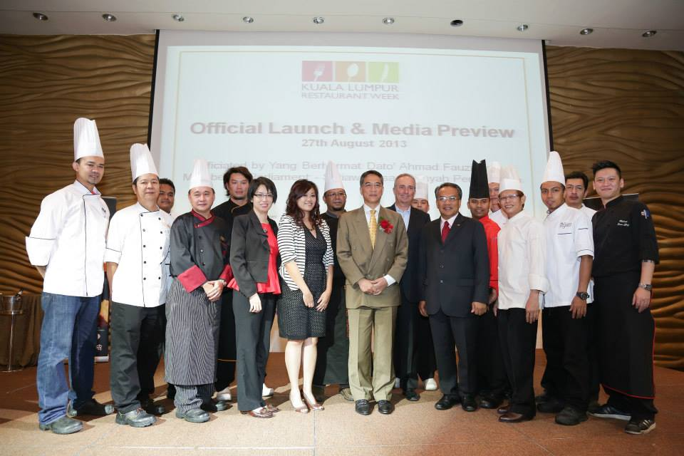 VIPs & chefs from participating restaurants of the launch